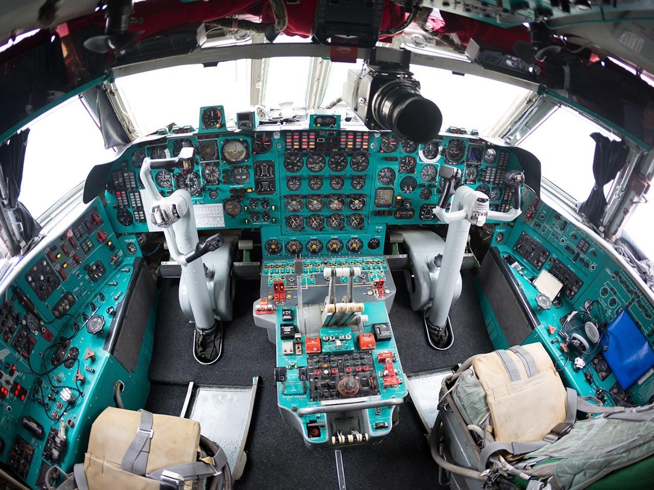 Ilyushin IL-76 (Cockpit) - Available for Private Charter from Execflyer